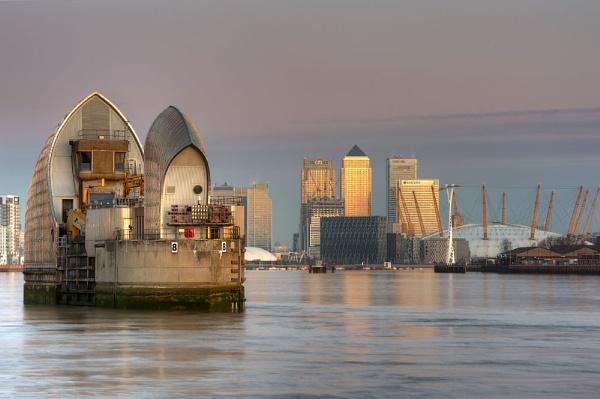 Thames Dawn by charlotte