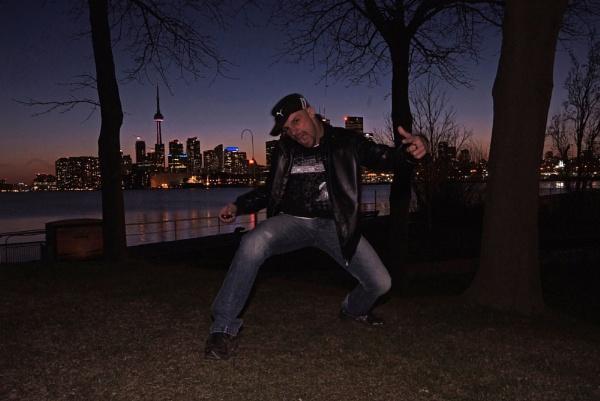 My 1st night in Toronto by RaphaelG