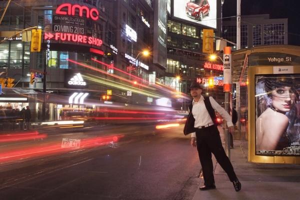 My 3rd night in Toronto by RaphaelG