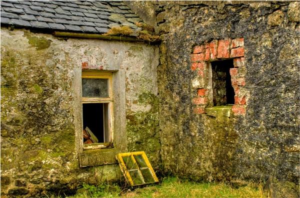 Old Farm. by myrab
