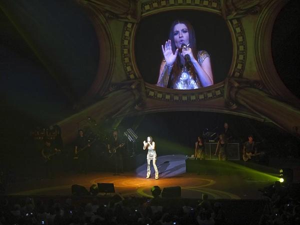 Laura Pausini at the Albert Hall by camay