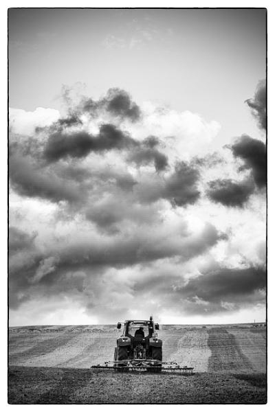 Tractor.. by szlatoszlavek