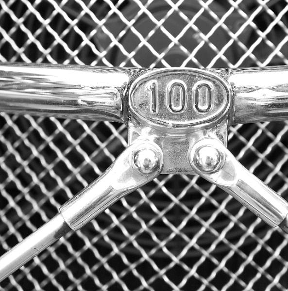100 by SeveGarcia