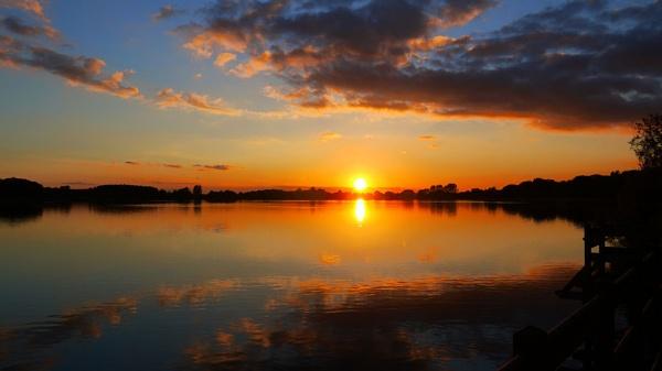 End of the lake by haggisman999