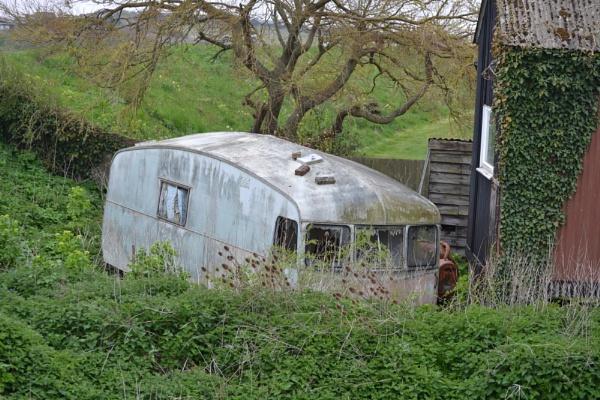 Mystery caravan by cathsnap