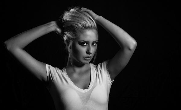 Lauren in Mono by markst33