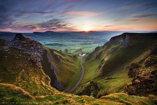 Winnats Pass by Tynnwrlluniau