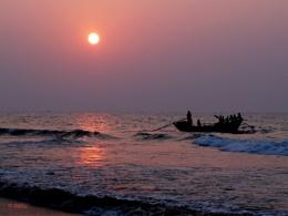 Sunrise at Puri Beach (India)