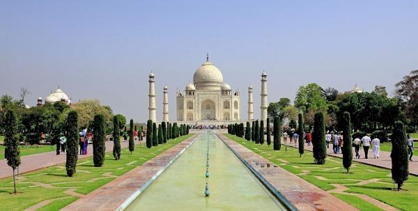 The Taj Mahal by eviemay