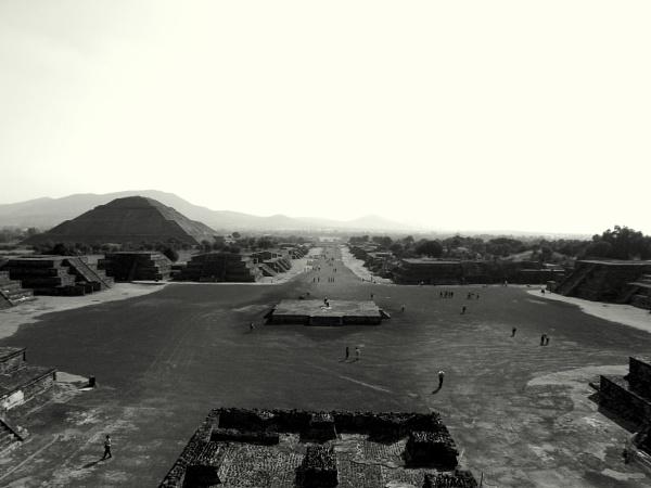 La calzada de los muertos by JuanCarlos