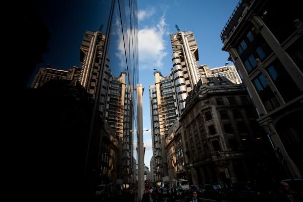 Reflecting on the city by janovilas