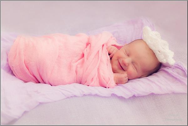 Smiley princess by EwaG