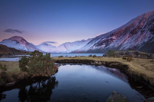 Winter dusk by BobShaw