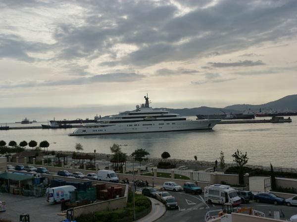 Gibraltar Port by patrickfranco49
