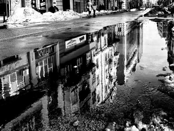 Big puddle by Kenibg