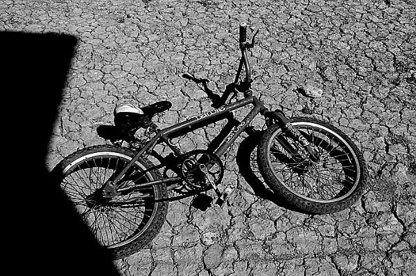 Bicicleta a mediodía by joseluis