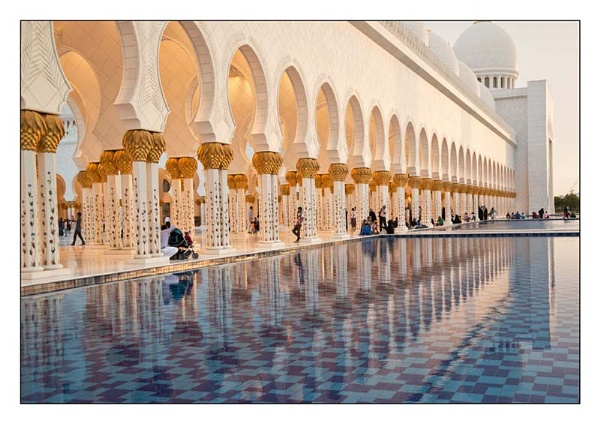 Sunset at The Grand Mosque by GlynH