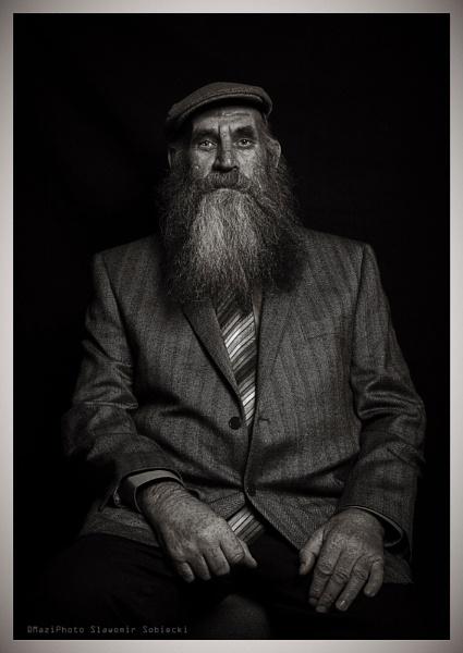 Big Tom by MaziPhoto