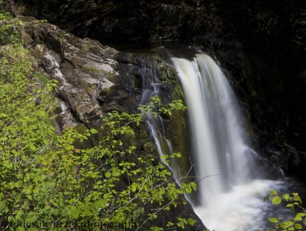 Ingleton waterfalls by wanderinwurzel