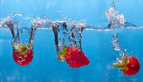 Strawberry Splashdown by johnp