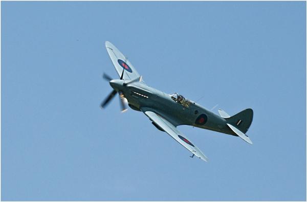 Spitfire by dven