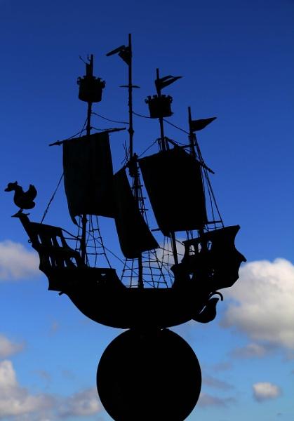 Sail around the Globe by AnthonyEB