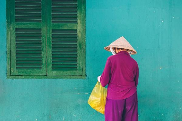Vietnamese Woman by iamsam