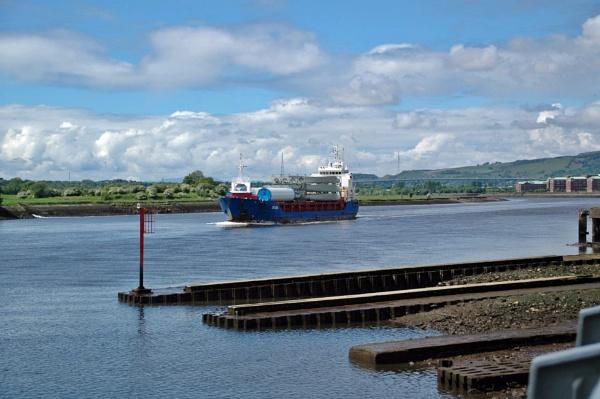 Cargo ship Ditzum by richardCJ