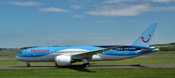 Thomson Dreamliner by richardCJ