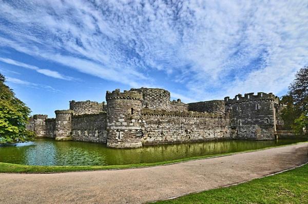 Beaumaris Castle by Evertonian