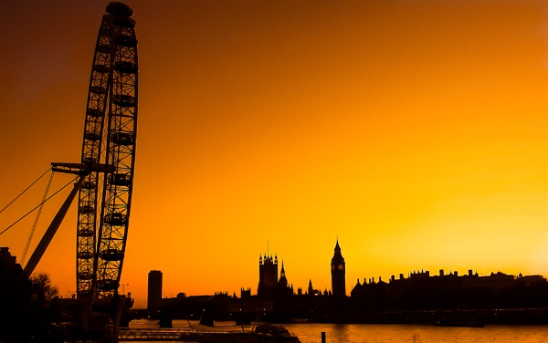 London Sunset by eosdpete