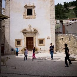 Castel del Monte - street 2