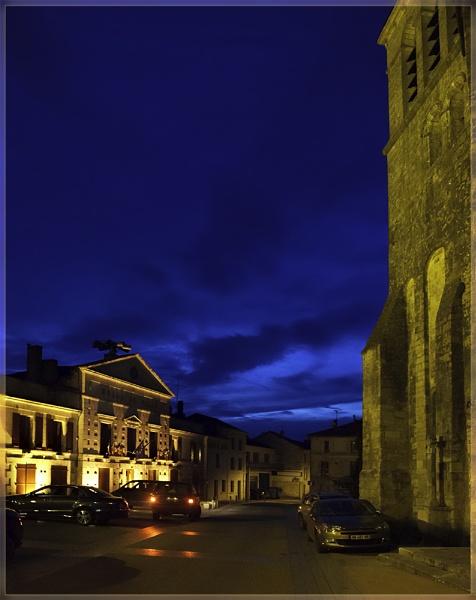 Metropolis en Aquitaine Profonde by annettep38