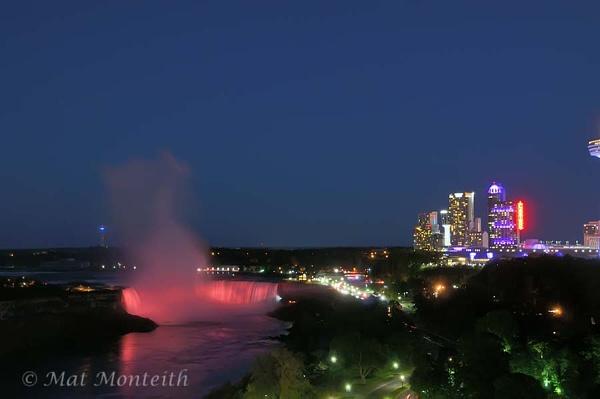 Niagara Falls by matmonty