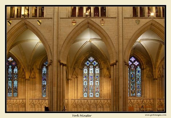 York Minster by GlynnisFrith