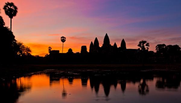 Angkor Sunrise by gg1904