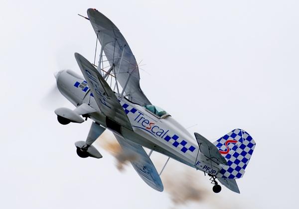 Aerobatic Bi-plane by steve_fdr