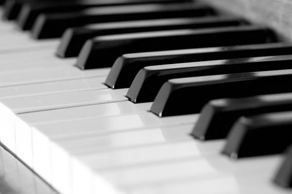 Black & White Keys by Tigger1