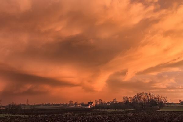 Nuclear Sunset by llareggub