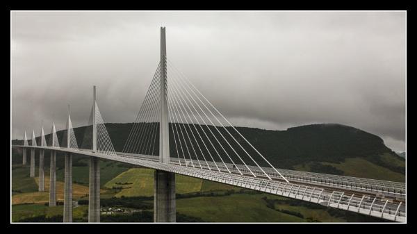 Millau Viaduct by DicksPics