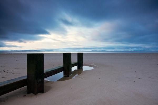 Findhorn Beach by heffalump