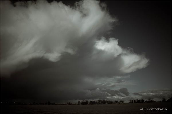 Rolling heavens over fields in yonder...