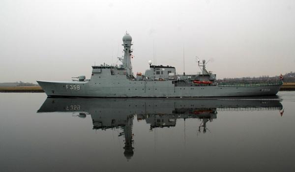 HDMS Vaedderen by richardCJ