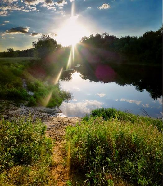 Evening rays by ValeryAst