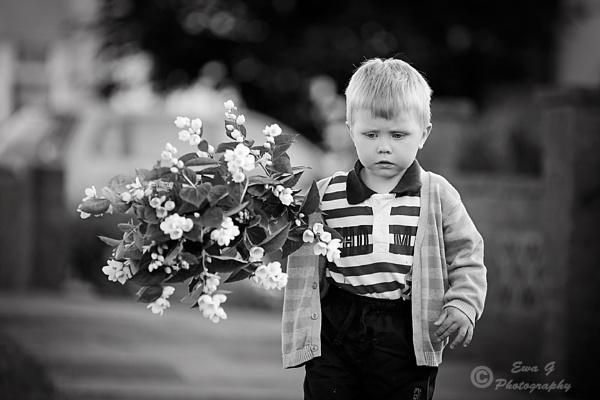 Little gentleman by EwaG