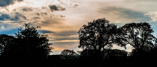 Yorkshire Skyline (2) by DavidMosey
