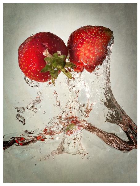 Strawberries by TheWanderer
