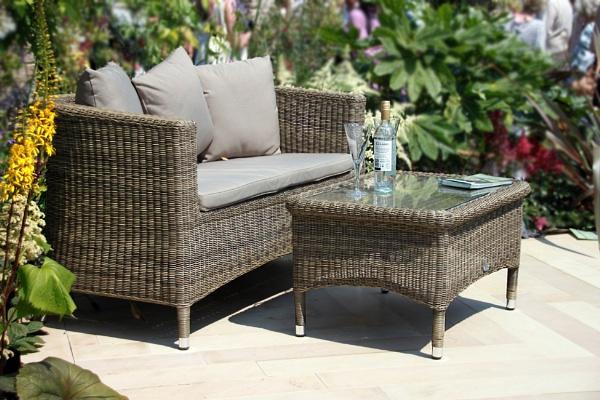 Garden furniture by Simon_Marlow