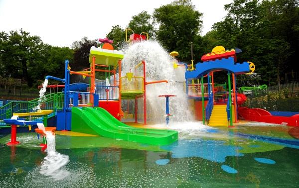 Splash Zone by petergb