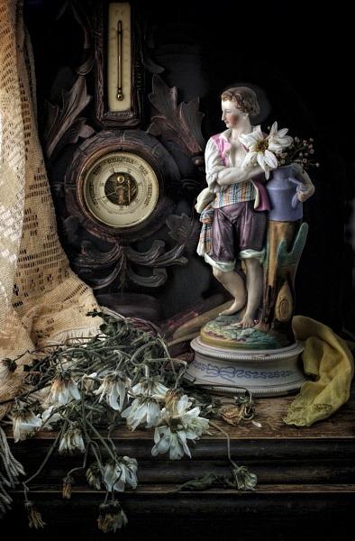 Flowers Lay Dying by GARYHICKIN